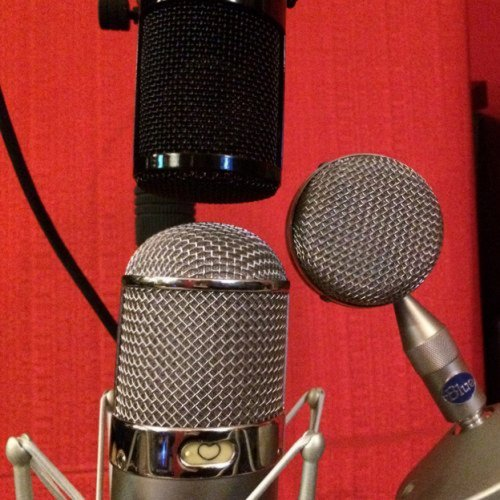 Microphone Shootout - Three Mics on Acoustic Gtr